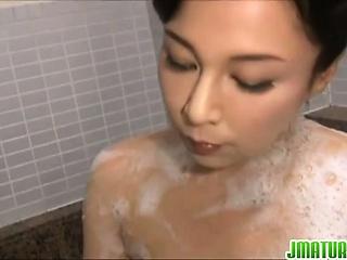 Japanese milf Mai Itou..