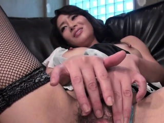 Asian bitch pokes the brush..