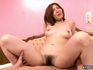 Japanese Yuna Hirose got a..
