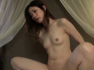 Japanese MILF beauty Misaki..