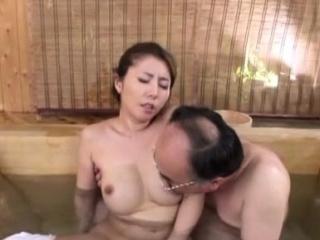 Oriental skank likes a hard..