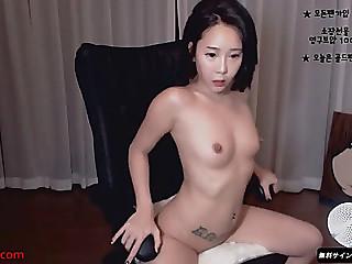 Korean slutty camgirl likes..