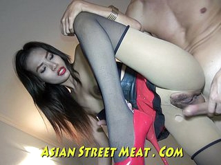 Asian Power Gargles Semen