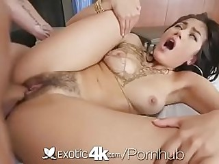 Teen asian love the cock in..