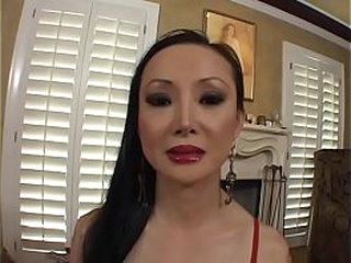 Asian MILF Ange Venus sucks..