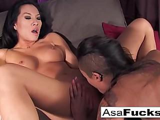 Asian babe fucks her ebony..